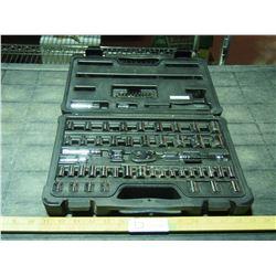 Stanley SAE/MM 1/4 3/8 Socket Set