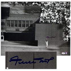 Willie Mays Signed ''Catch'' Photo 16'' x 20'' PSA/DNA