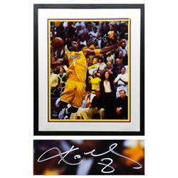 Kobe Bryant Signed 16'' x 20'' Upper Deck COA Photo