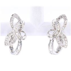 Diamond Ribbon Set Modern 18K Stud Earrings