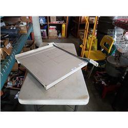 BOSTON 2664 PAPER SHREDDER