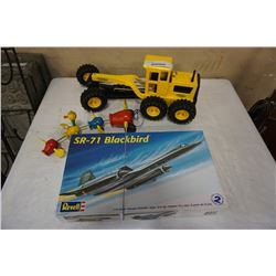 TONKA GRADER AND REVELL MODEL