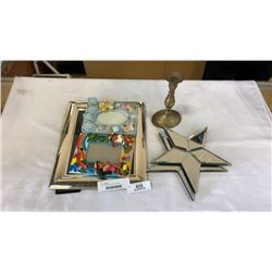 Lot of mirror stars and picture frames