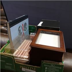 Tray of picture display albums, and hardcover books