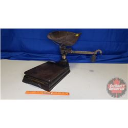 """Counter Top Scale """"The U.S. & M. Scale Co. Limited"""" """"Sherbrooke Que Canada"""""""
