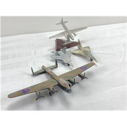 4 model airplanes