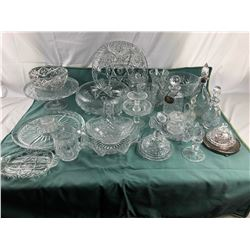 Assorted crystal and glassware