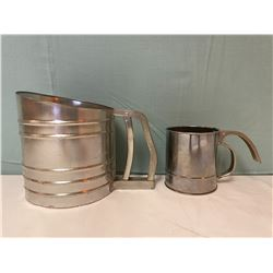 2 metal flour sifters