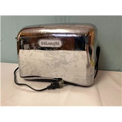 DeLoghi Toaster