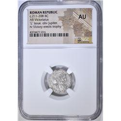 211-208 BC AR VICTORIATUS NGC AU