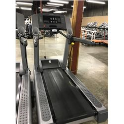 LIFE FITNESS 95TI COMMERCIAL INCLINE FLEXDECK TREADMILL, 120V/20A PLUG