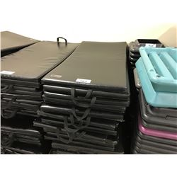 LOT OF APPROX. 20 EXERCISE MATS