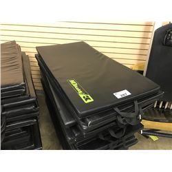 LOT OF APPROX 20 EXERCISE MATS