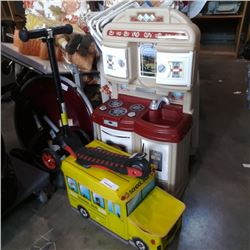 KIDS KITCHEN PLAYSET, BUS STORAGE BOX W/TOYS AND SCOOTER
