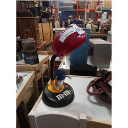 COLLECTOR M&M FIGURE TABLE LAMP WITH SOUND
