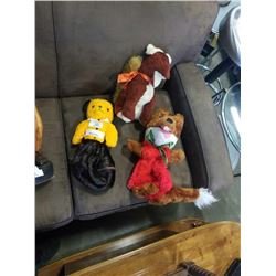 2 VINTAGE PAJAMA CASES AND OTHER STUFFED ANIMAL