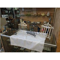 5 Decorative metal folding stands