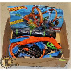 "BOX WITH HOT WHEELS ""CORKSCREW CRASH"""