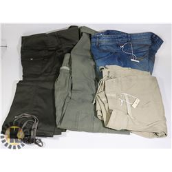 BOX OF WOMENS JEANS - CARGO PANTS SIZE 3