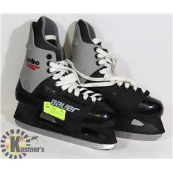 MENS BAUER TURBO SKATES - SIZE 7 HARD SHELLED