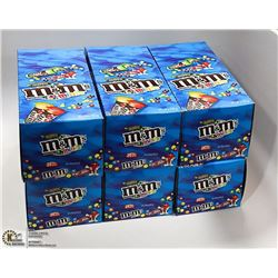CASE WITH 6 BOXES OF 24 30GRAM CONTAINERS OF M&M