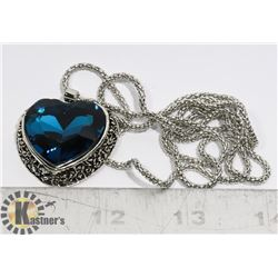 NEW HEART SHAPE PENDANT ON CHAIN