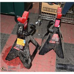 PAIR OF MOTOMASTER 6 TON AXLE STANDS