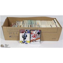 MISCELLANEOUS LOT OF HOCKEY AND BASEBALL CARDS