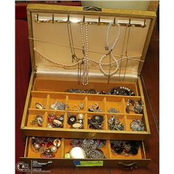 VINTAGE GOLD JEWELRY BOX WITH CONTENTS