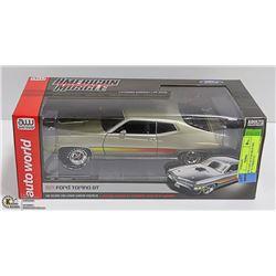 1:18 DIE CAST AUTOWORLD 1002 MADE '71 TORINO GT