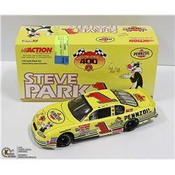 1:24 DIE CAST PARK TWEETY COMIC NASCAR