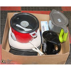 BOX WITH KITCHENWARE INCL. RED SUNBEAM