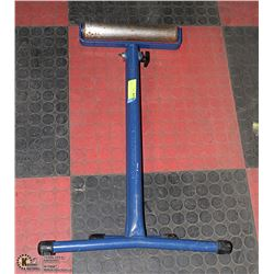 FOLD-OPEN SOLID METAL ROLLER STAND -