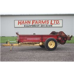 NH 327 single axle manure spreader, 3 beater