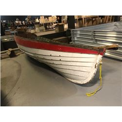 Wooden Canoe - White/Red