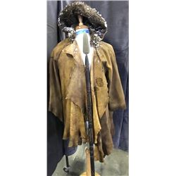 Movie set costume with 1 spear