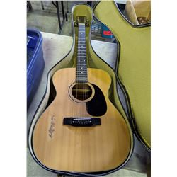 Acoustic 6 String Guitar with Hard Case