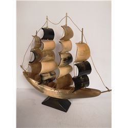VINTAGE CARVED HORN SAILING SHIP BOAT MODEL. ESTATE