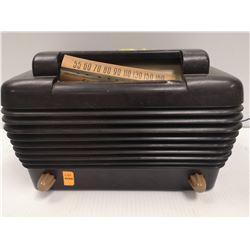 1940S BAKELITE STROMBERG CARLSON RADIO