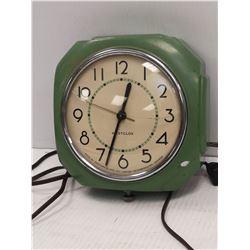1940S WESTCLOX WALL MOUNT ELECTRIC CLOCK