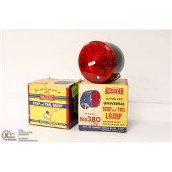 PAIR OF VINTAGE YANKEE TAIL LAMPS IN BOX