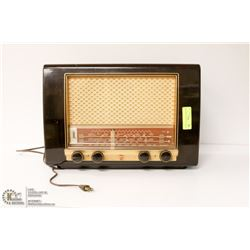 1950S PHILLIPS SHORT WAVE RADIO A