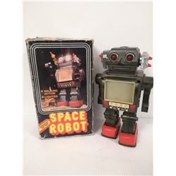 VINTAGE SPACE ROBOT TOY IN BOX