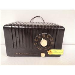 1930S BAKELITE RCA VICTOR TABLE TOP RADIO