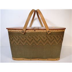 PICNIC BASKET WITH 2 HANDLES WOVEN WOOD