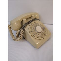 VINTAGE CREAM ROTARY DIAL PHONE