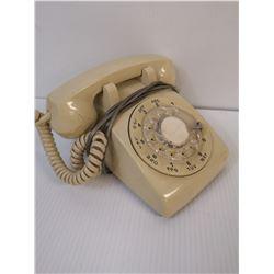 VINTAGE CREAM ROTARY DIAL PHONE