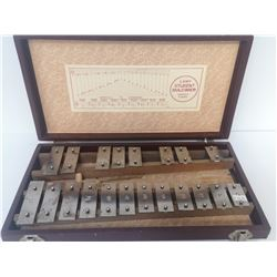 VINTAGE XYLOPHONE IN WOODEN CASE