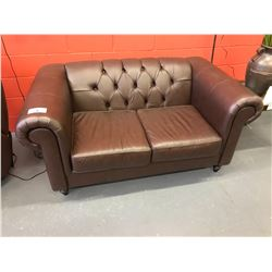 BROWN LEATHER BUTTON BACK LOVESEAT