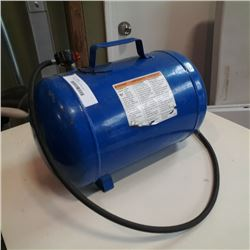 Portable air tank with filler hose